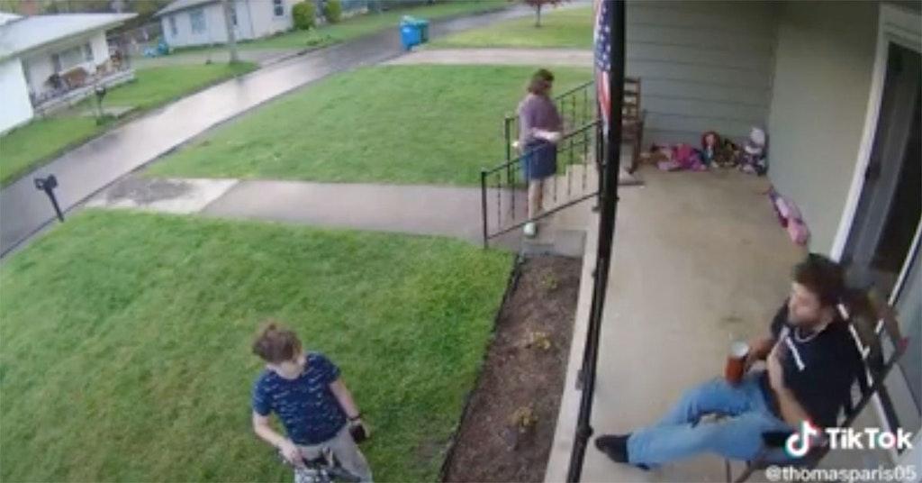 man preteen fight over confederate flag tiktok video